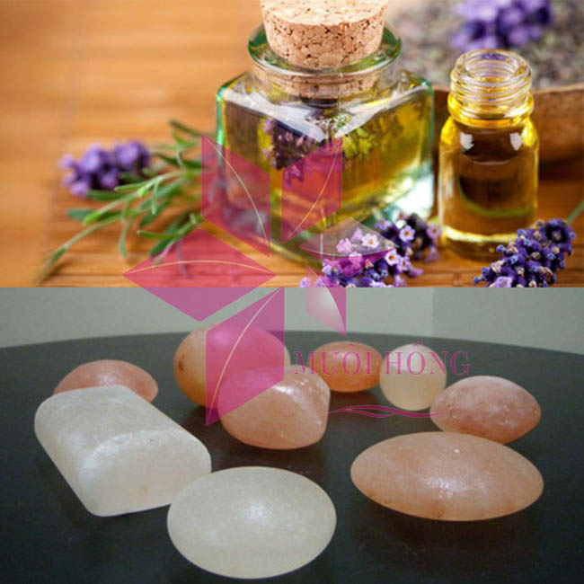 3 công dụng thần kỳ từ liệu pháp massage bằng viên đá muối nóng2