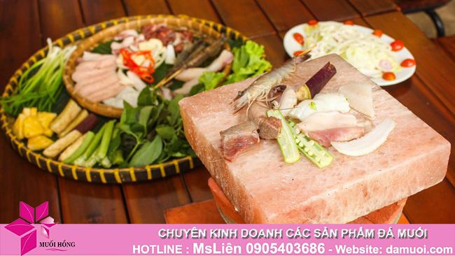 Chia sẻ cách nướng thịt trên viên đá muối nướng an toàn và đúng chuẩn nhất_1