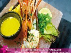 Chia sẻ cách chế biến món tôm nướng đá muối Himalaya 2