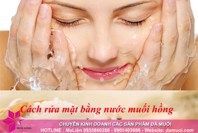 Rửa mặt bằng nước muối hồng Himalaya – cách ngăn ngừa và loại bỏ mụn hiệu quả